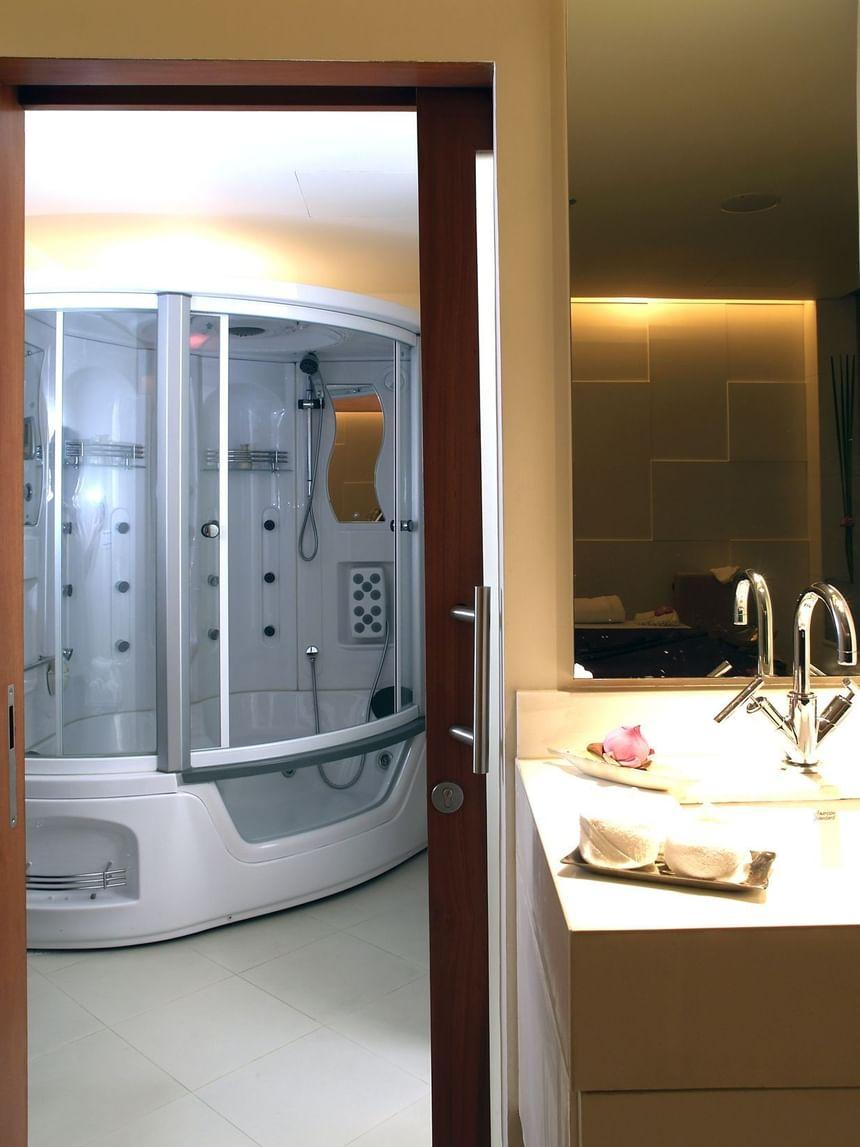 Bathroom at Coran Boutique Spa Spa in dream Thailand Bangkok