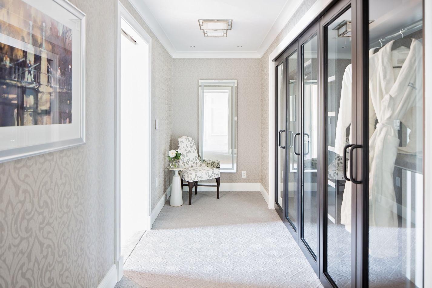 Private dressing room in John Adams Presidential Suite