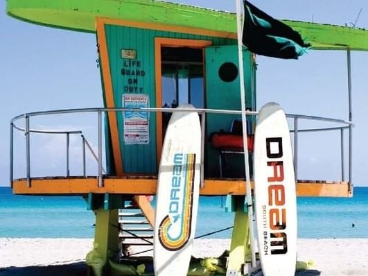 Life Guard Hut with 2 surfboards at Dream South Beach
