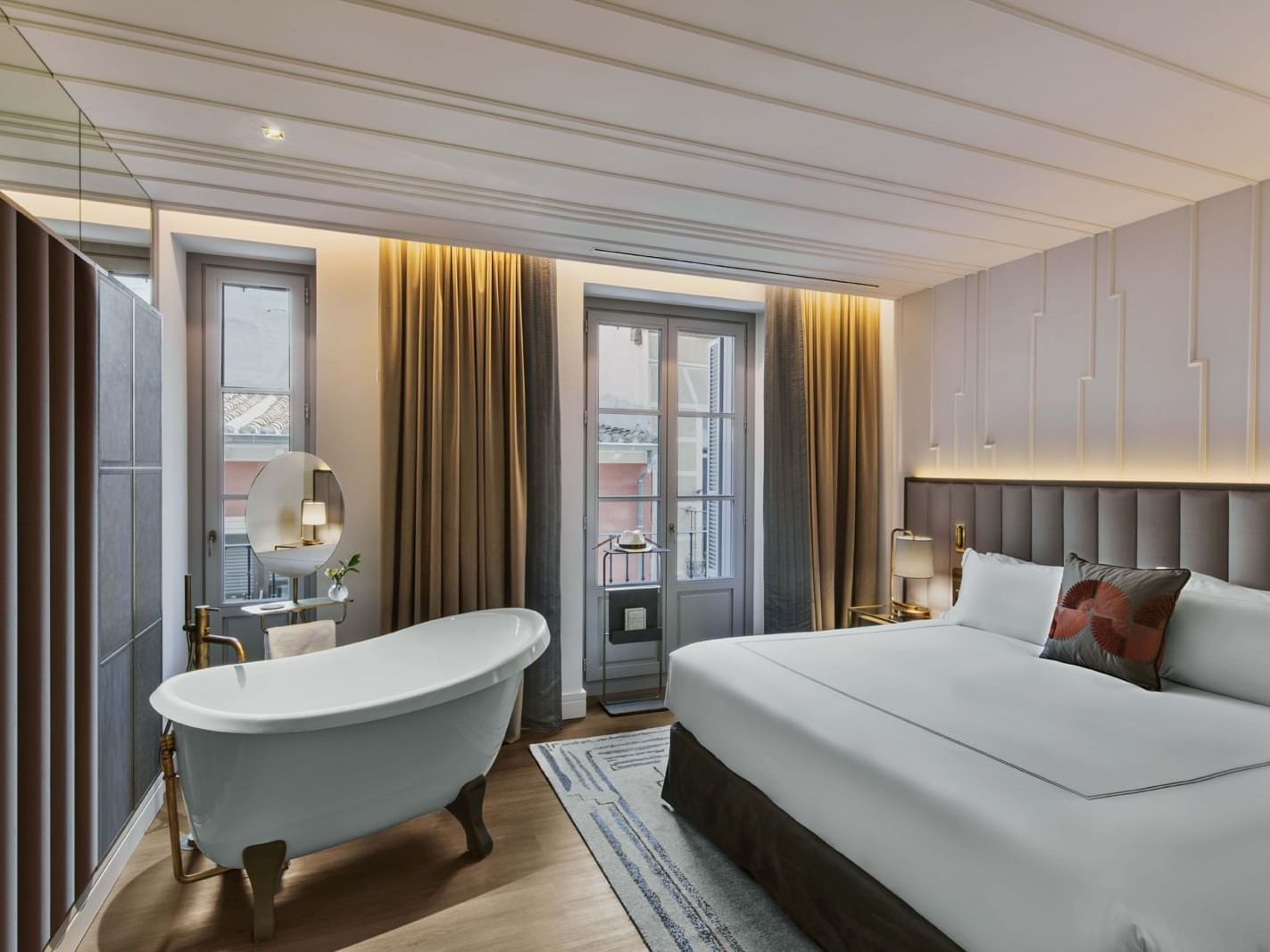Accommodation at Gran Hotel Inglés in Madrid