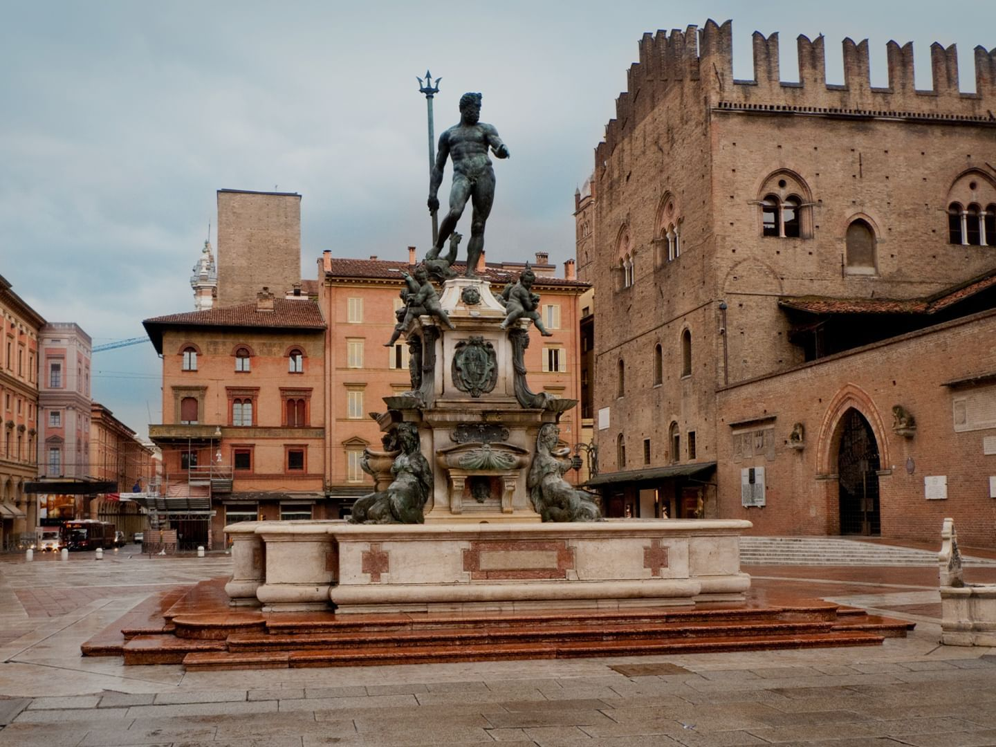 Five Historical Palazzos to Visit in Bologna and its Environs