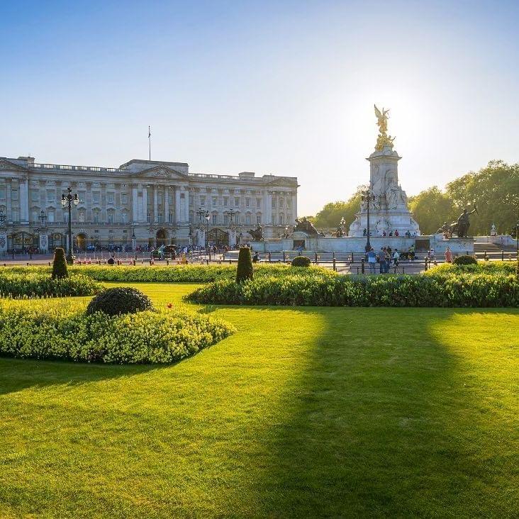 Buckingham Palace - WARWICK CORPORATE