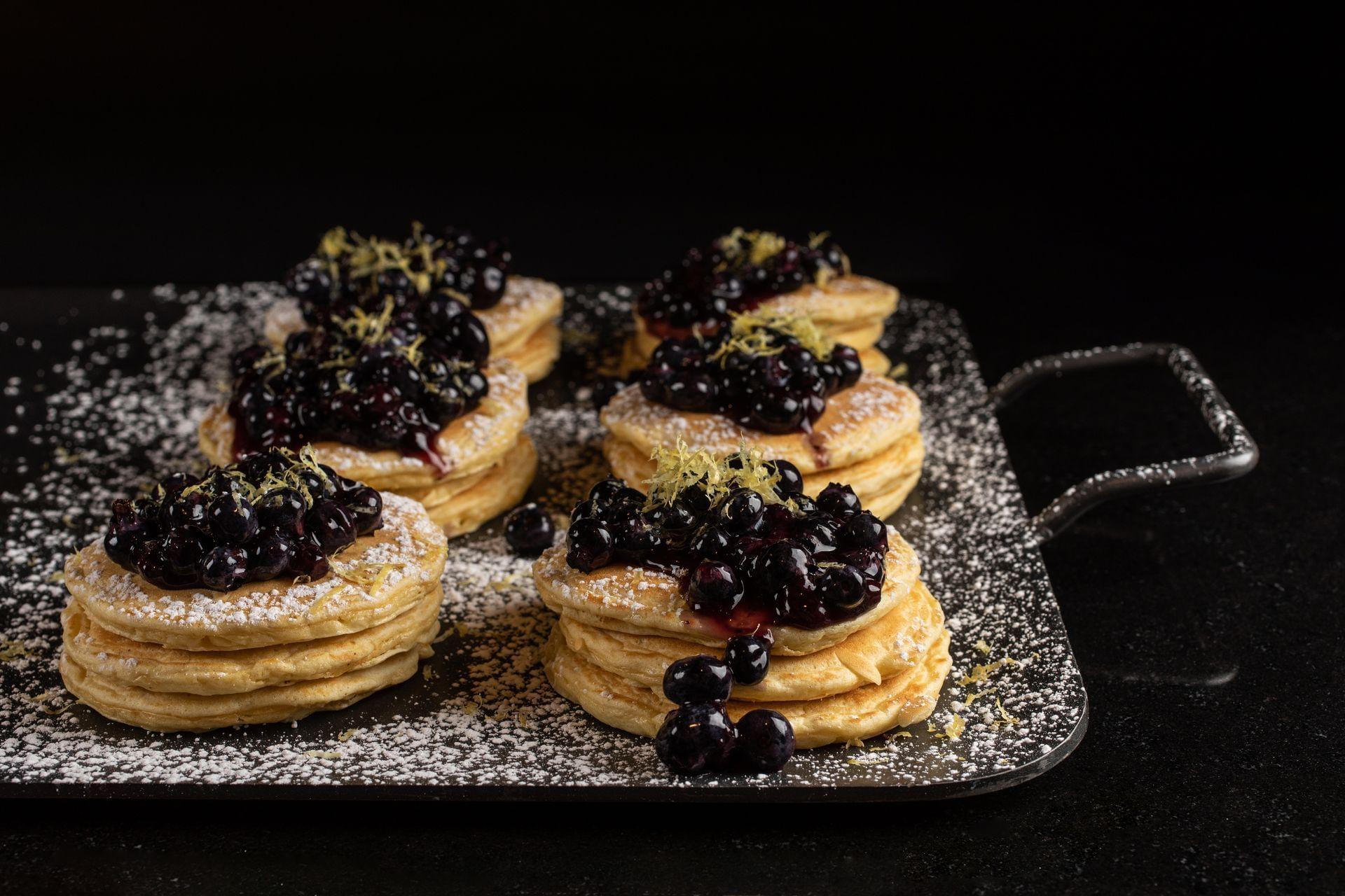 mini blueberry pancakes with sugar