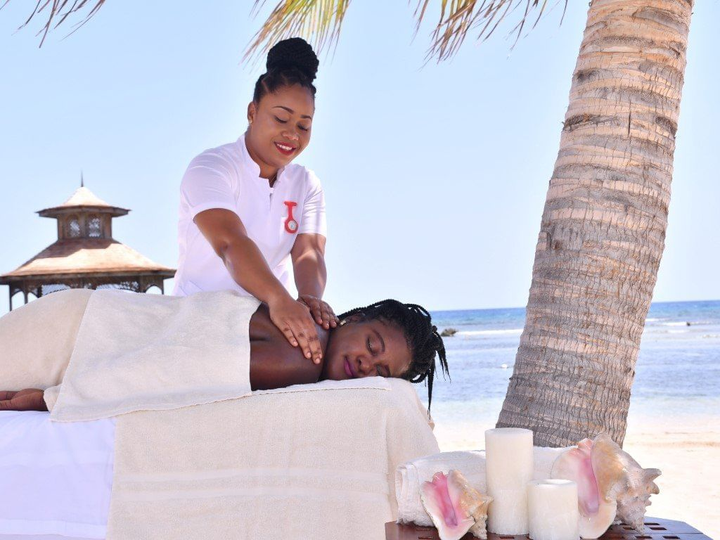 Sol Mer Spa Ongoing outdoor massage at Holiday Inn Montego Bay