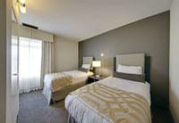 Coast-Kamloops-Premium-2-Bedroom-Suite-Queen-TwinTwin 3