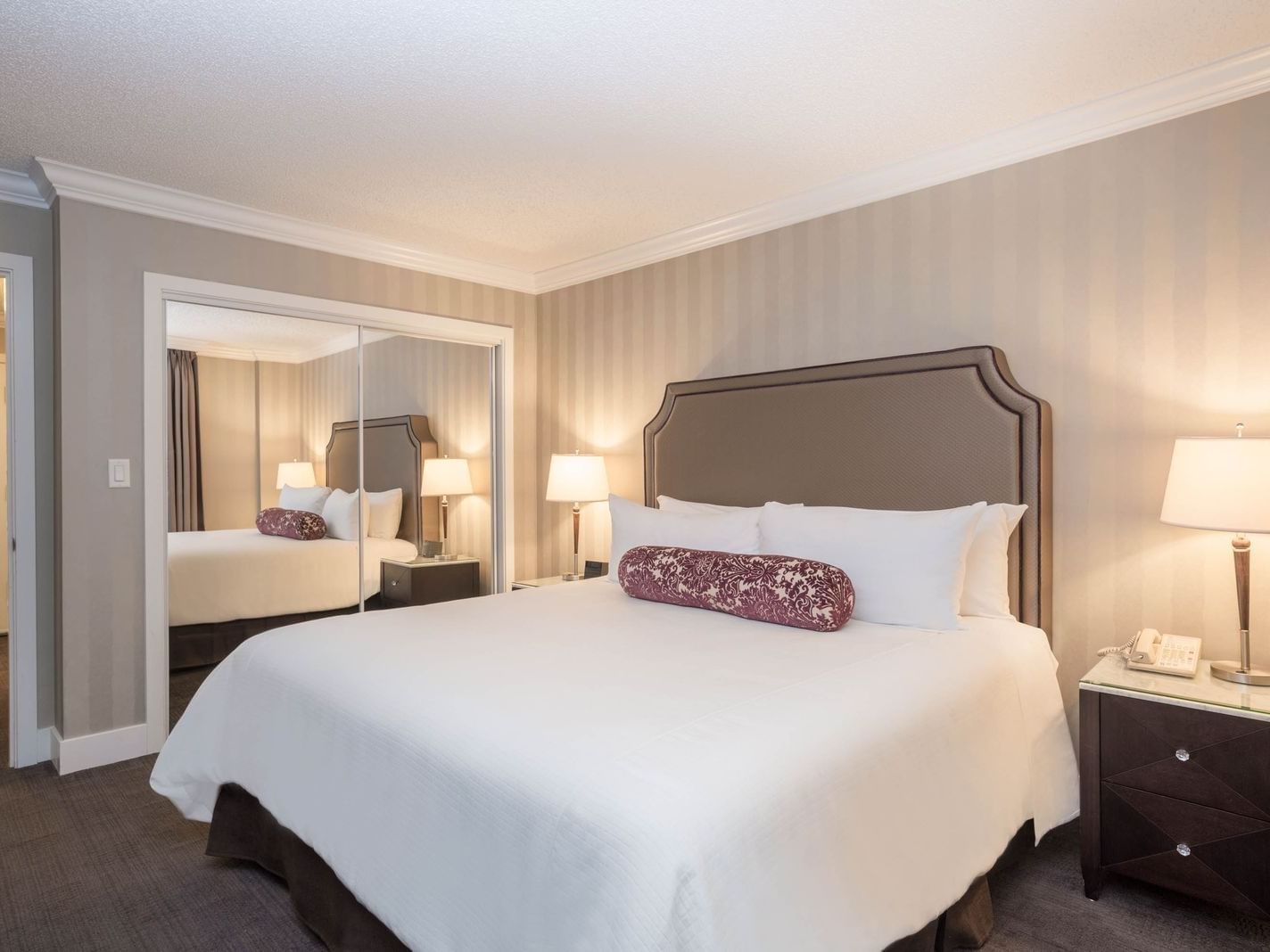 One BedroomSutton Suite - 1 King Bed La Grande Résidence
