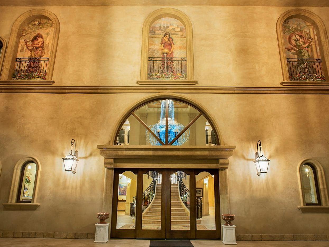 Exterior entrance to Allegretto Vineyard Resort lobby