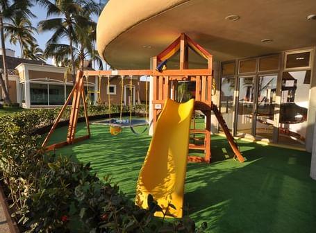 Kids club at Sunset Plaza Beach Resort