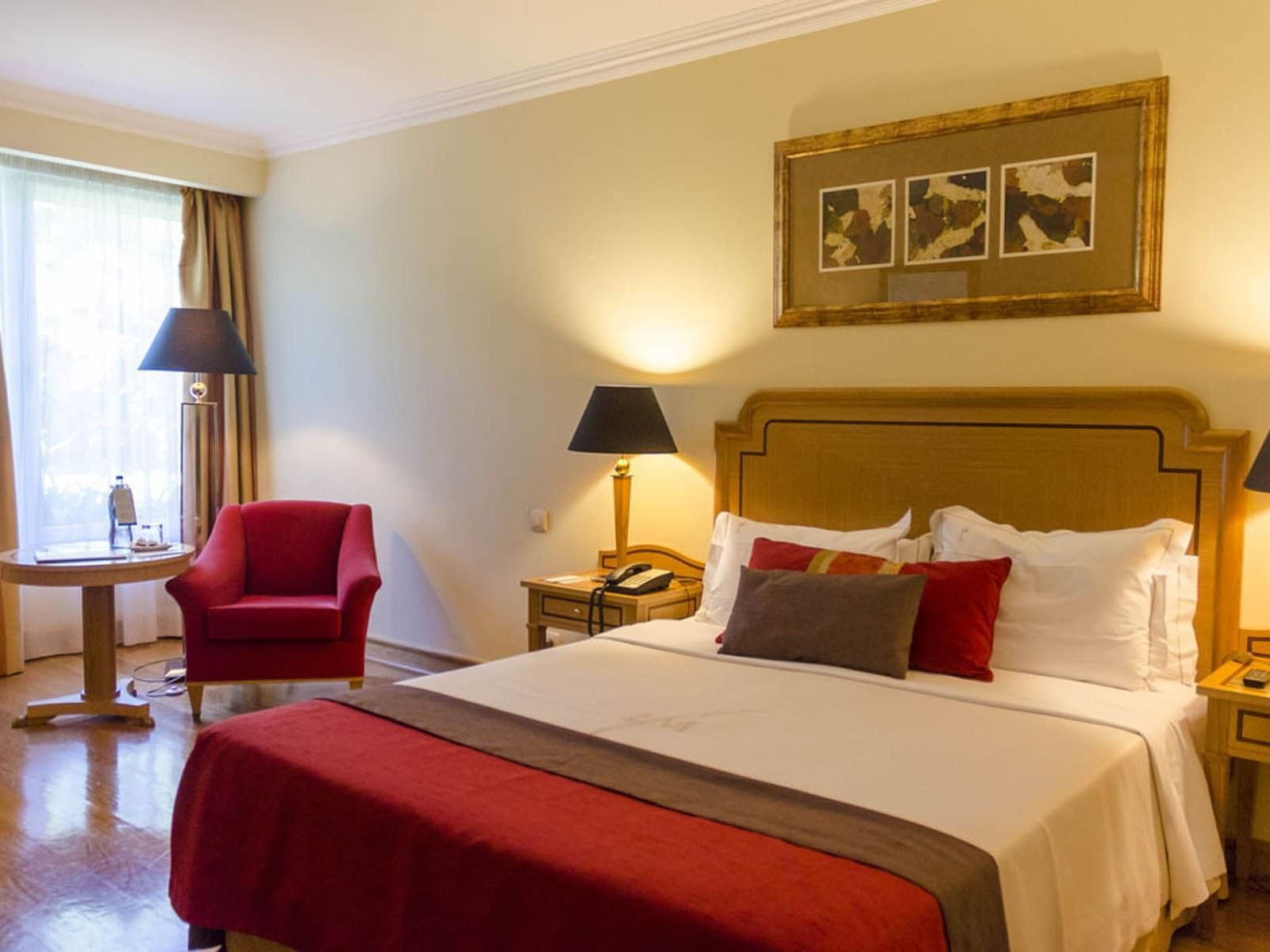 Standard Room with a single comfy  bed at Hotel Cascais Miragem