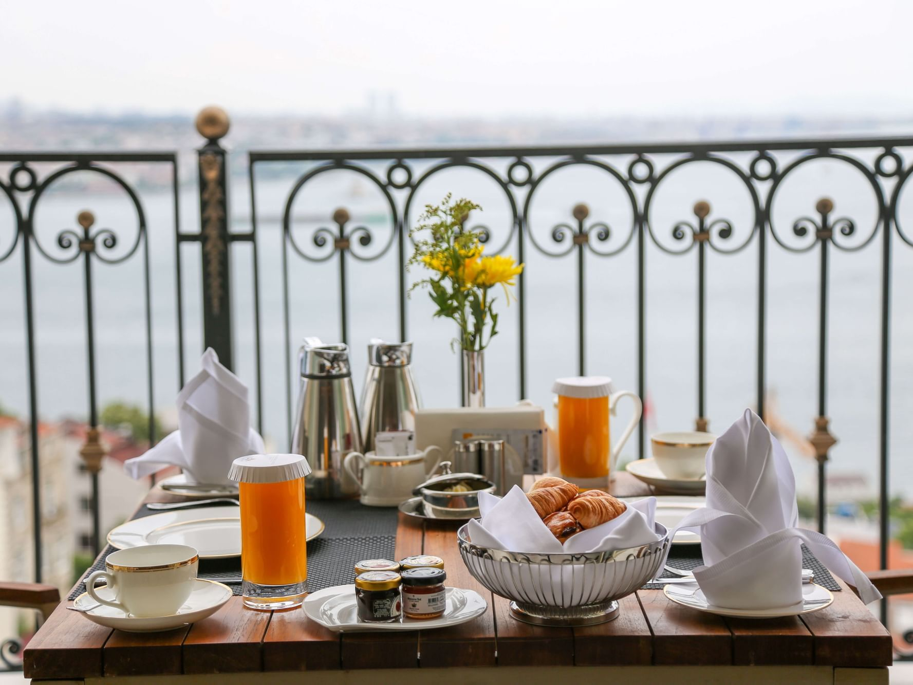 Bed And Breakfast at CVK Park Bosphorus Hotel Istanbul