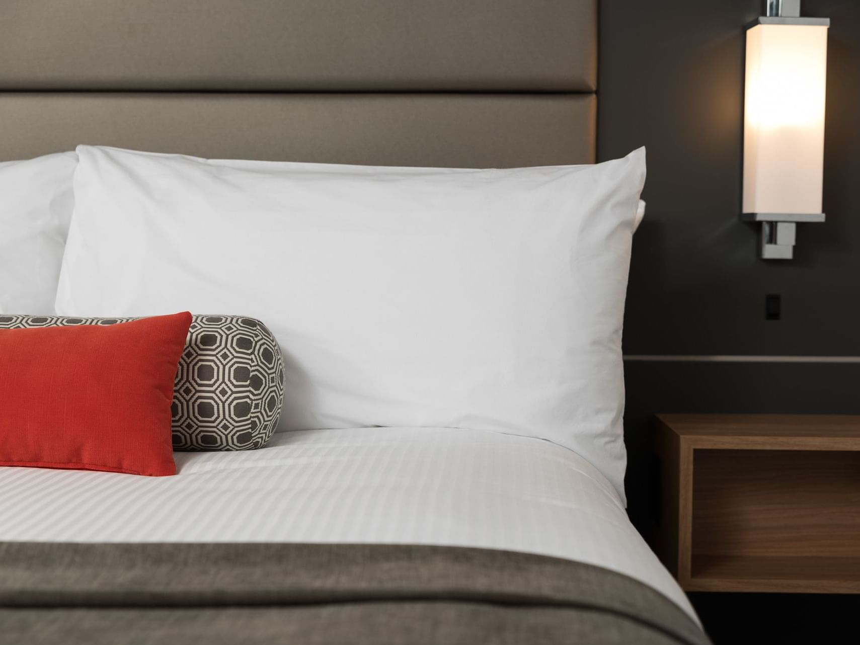 Premium Queen Room with one bed at Carriage House Hotel
