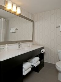 Coast Kamloops Hotel & Conference Centre Bathroom - 1