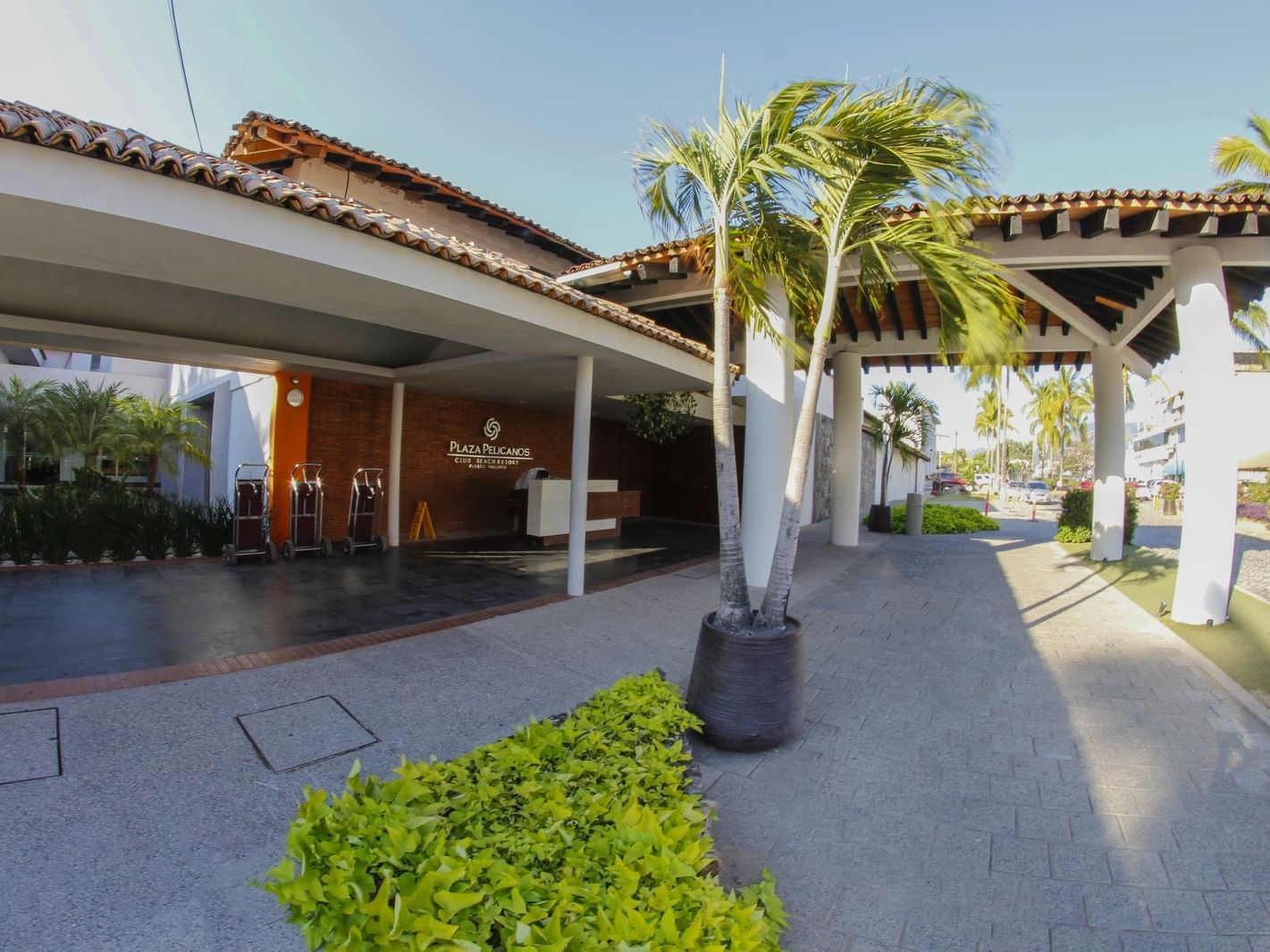 Motor Lobby at Plaza Pelicanos Club Beach Resort