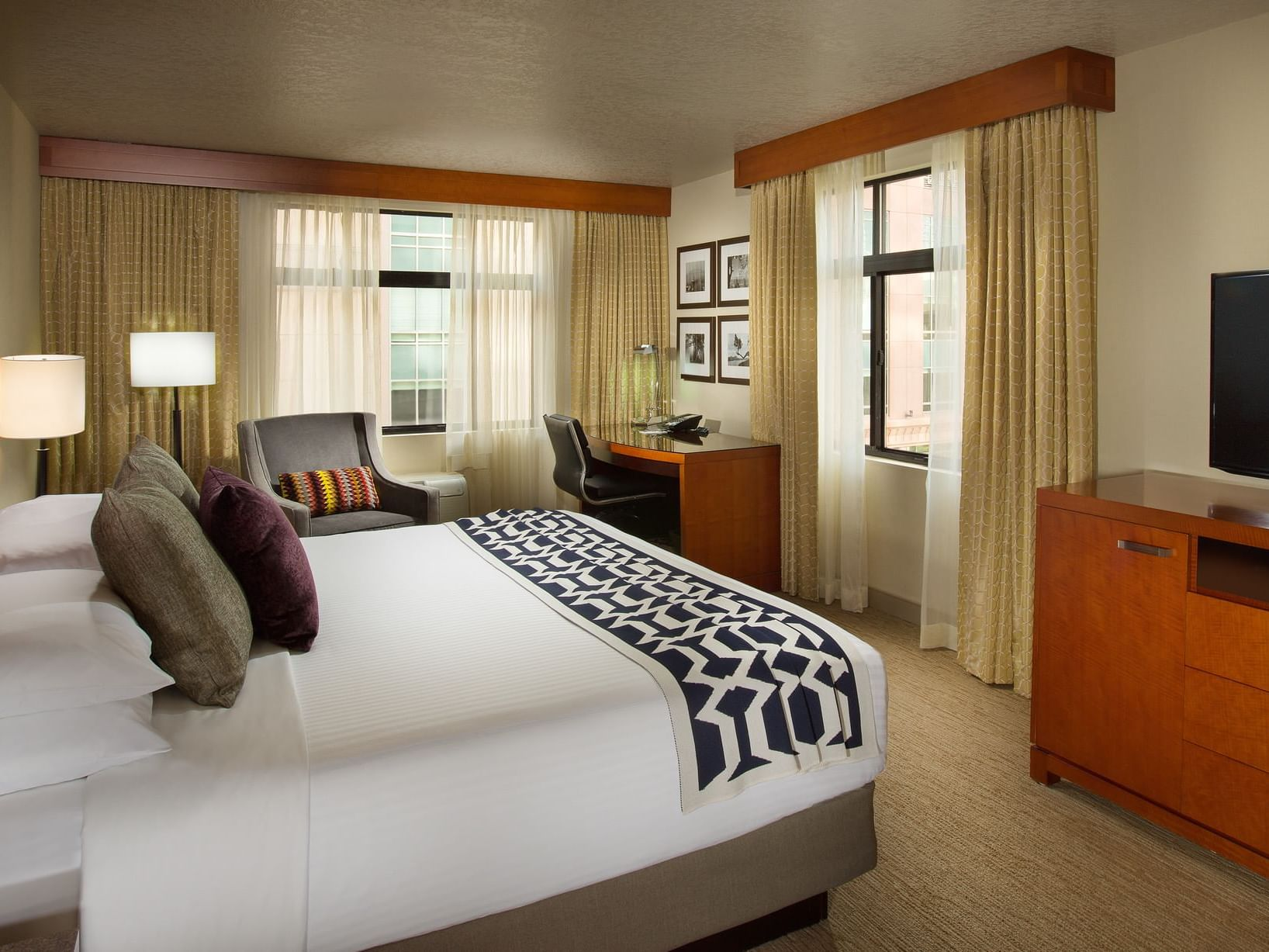 Bedroom of Traditional Premium at Paramount Hotel Seattle