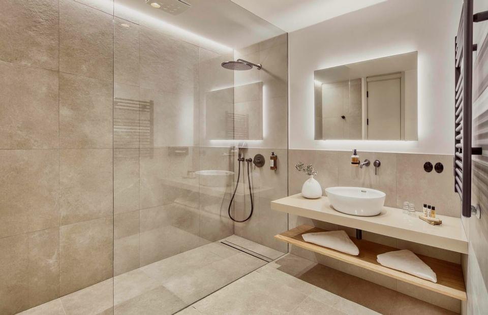 bathroom in Deluxe Room at Hotel Old Inn, Český Krumlov
