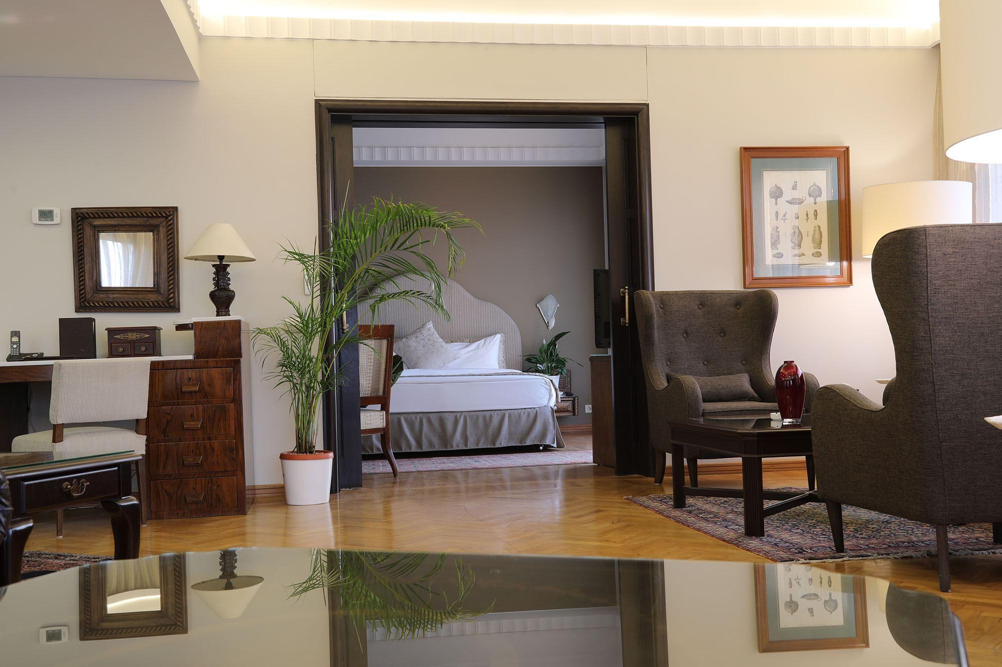 Suite at Warwick Palm Beach