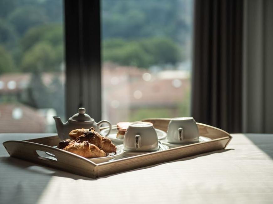 Hotel in Turin   Breakfast in room