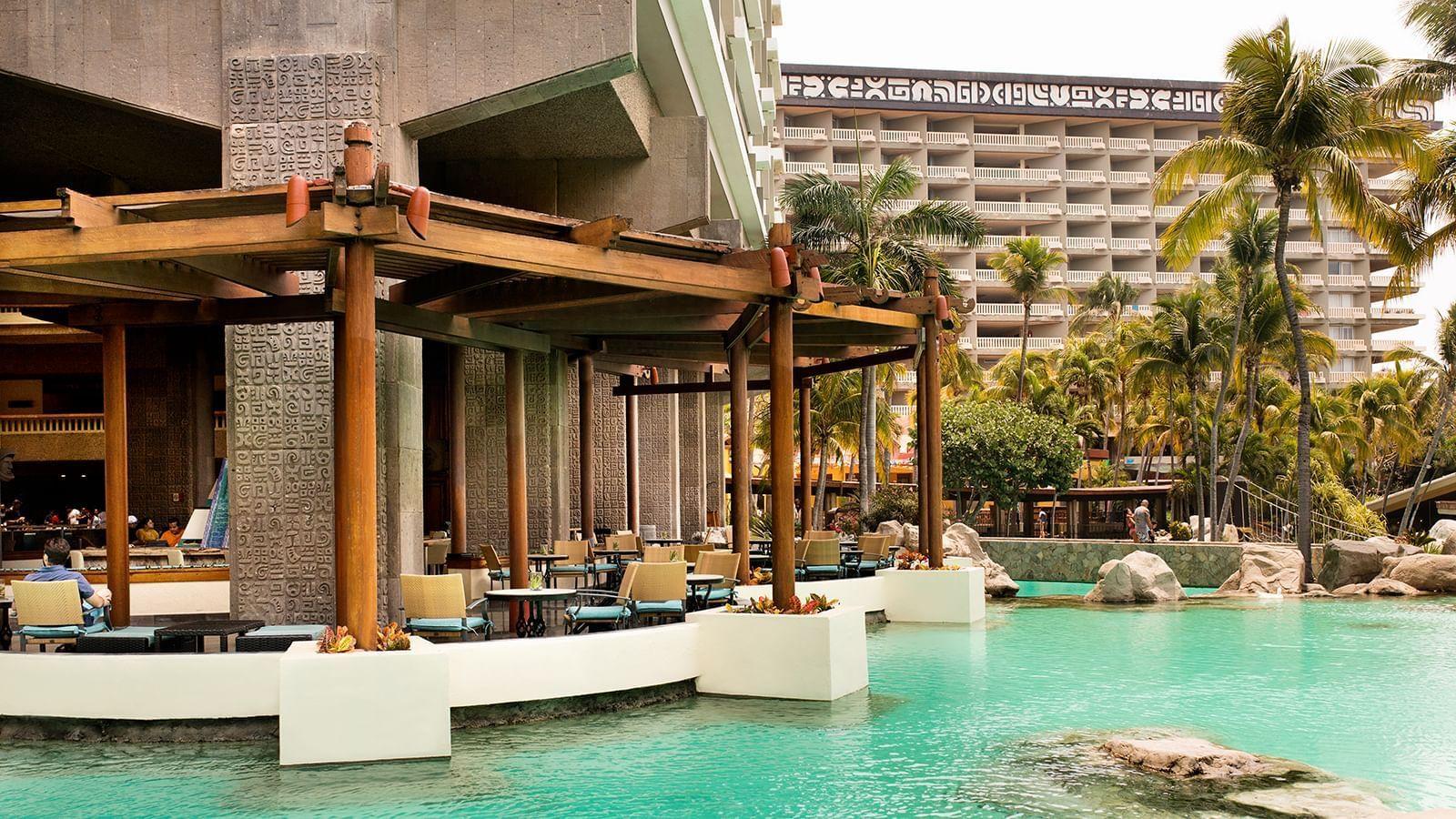Outdoor seating area at Laguna Bar in Princess Mundo Imperial