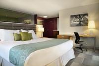 Coast Prince George Hotel by APA - Jacuzzi Suite(4)
