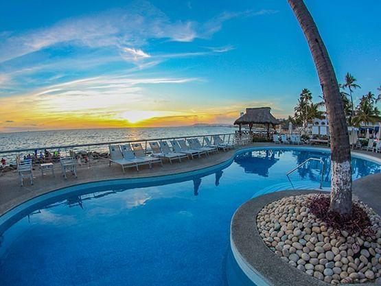 best pool  at Sunset Plaza Beach Resort