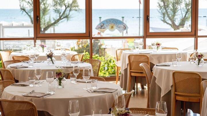 Restaurant-