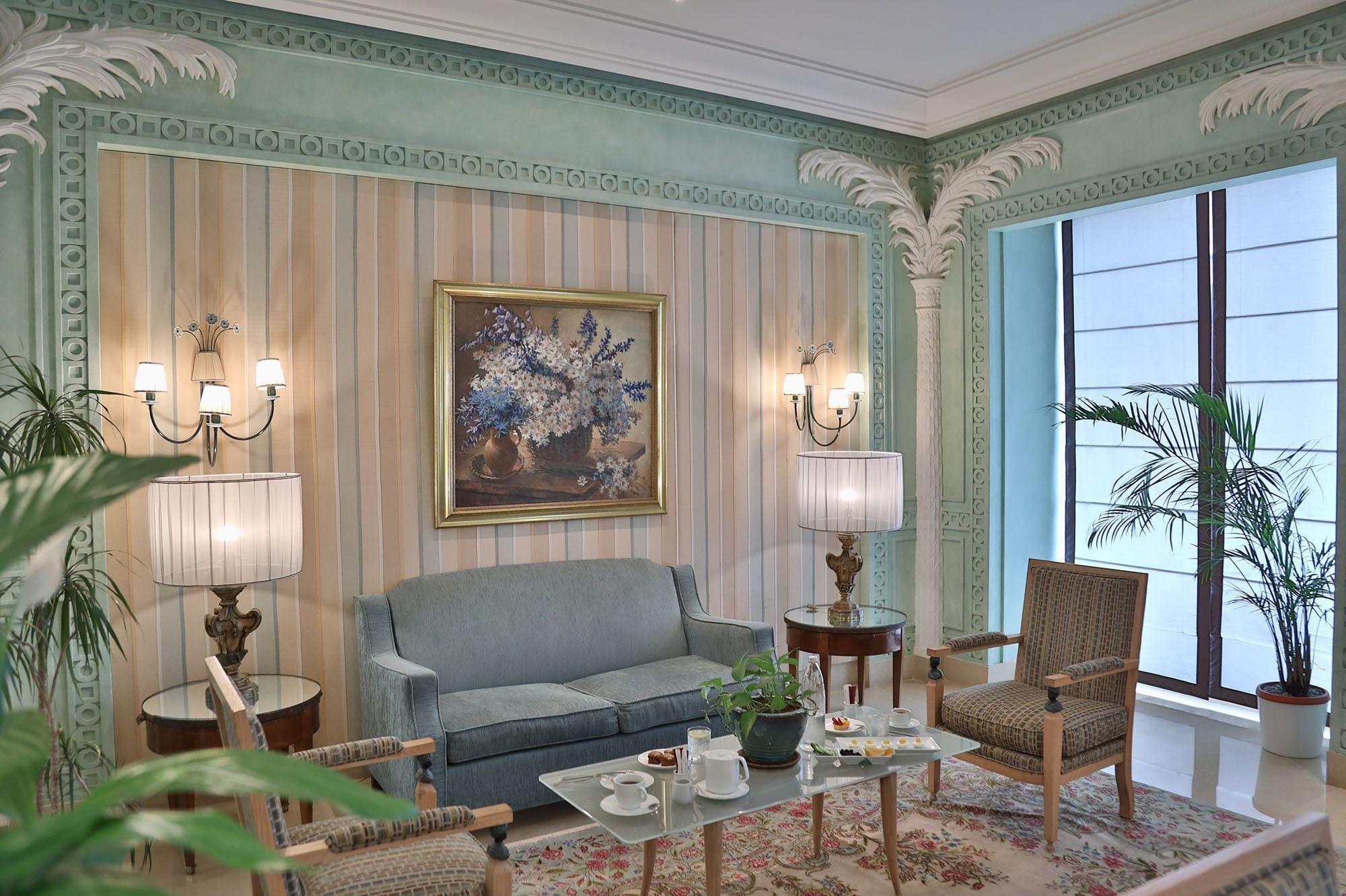 Lobby Lounge at Warwick Palm Beach