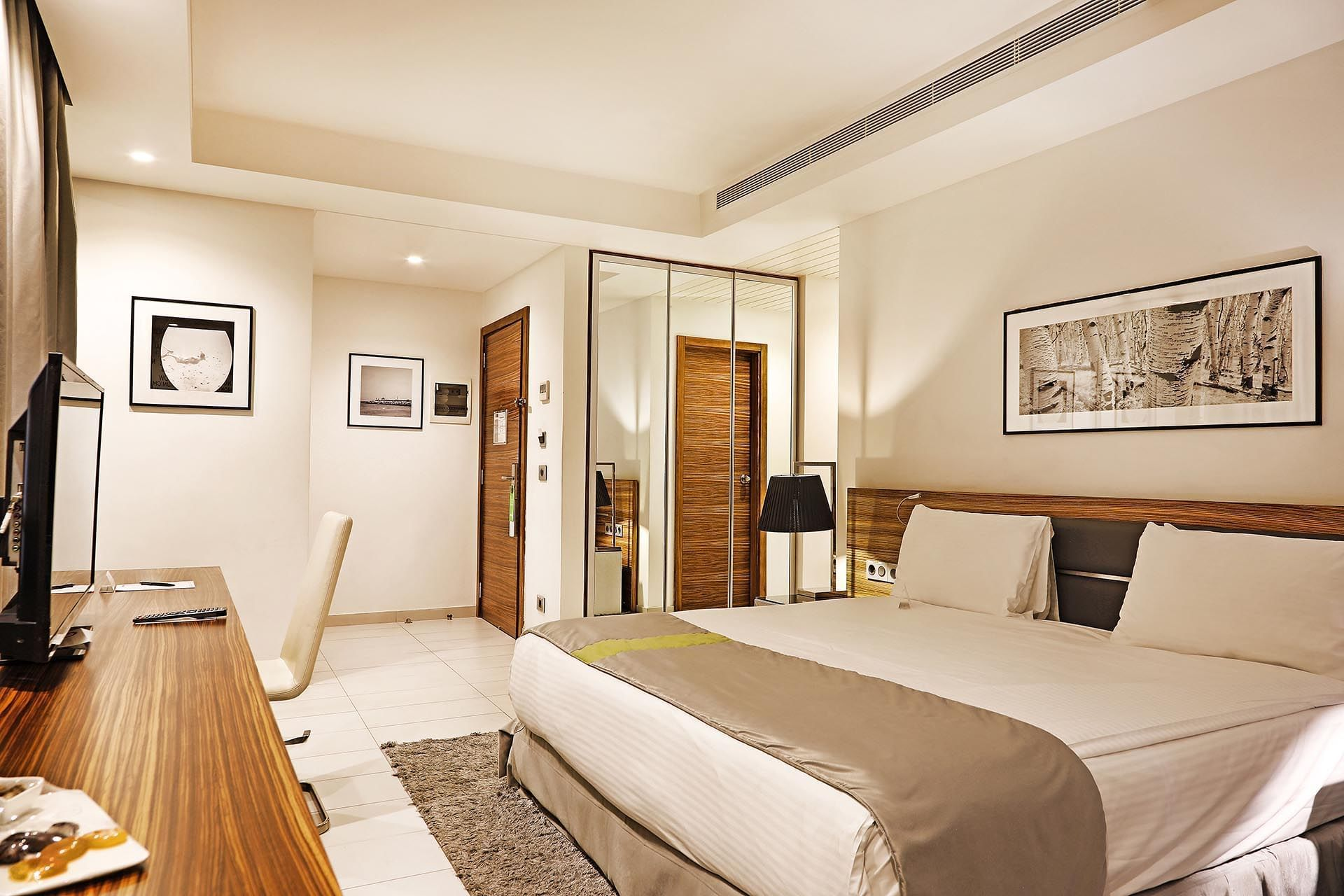 Deluxe Room at Warwick Stone 55