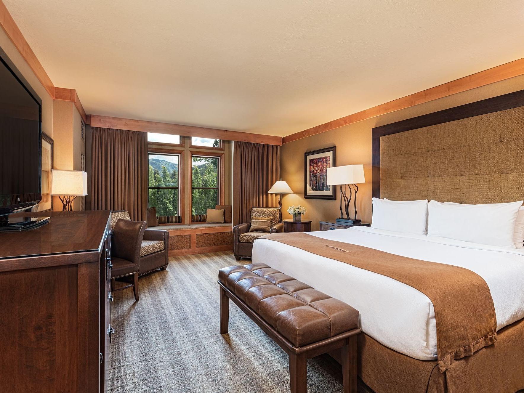 Premium King room at Wyoming Inn