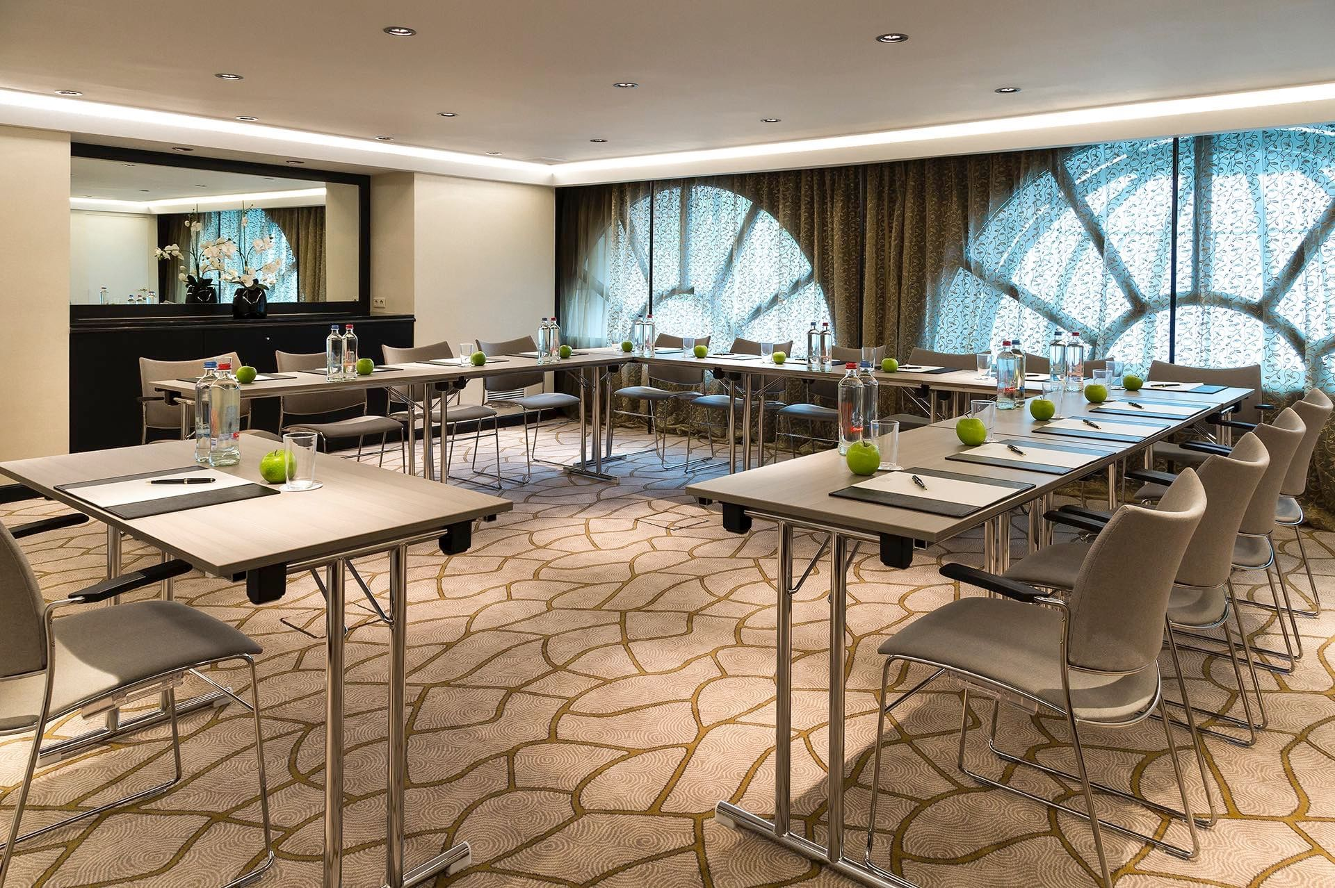 Hotel Barsey by Warwick Meeting Room