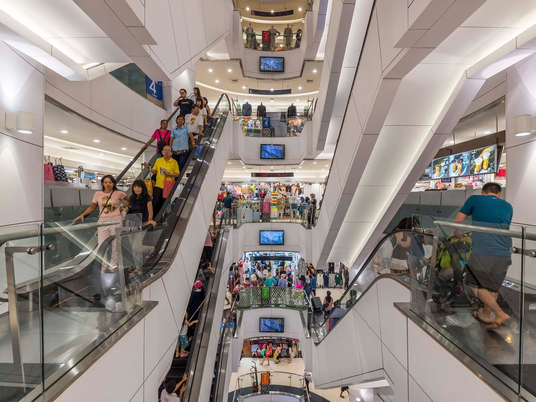 The Platinum Shopping Mall near  Emporium Suites by Chatrium