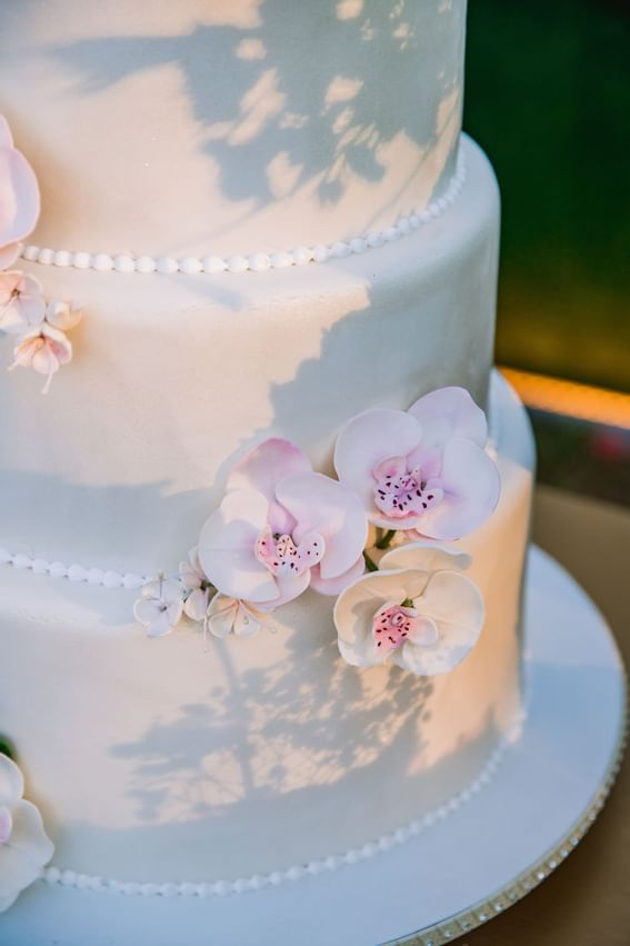 Best and taste wedding cake Intercontinental Kyiv hotel