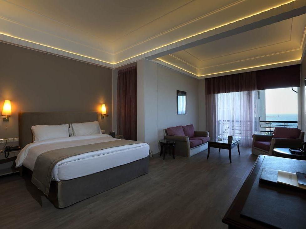 Senior Suite Bedroom at Warwick Palm Beach