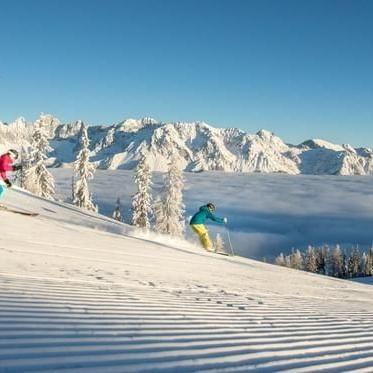 Skiing near Schloss Pichlarn Hotel in Austria
