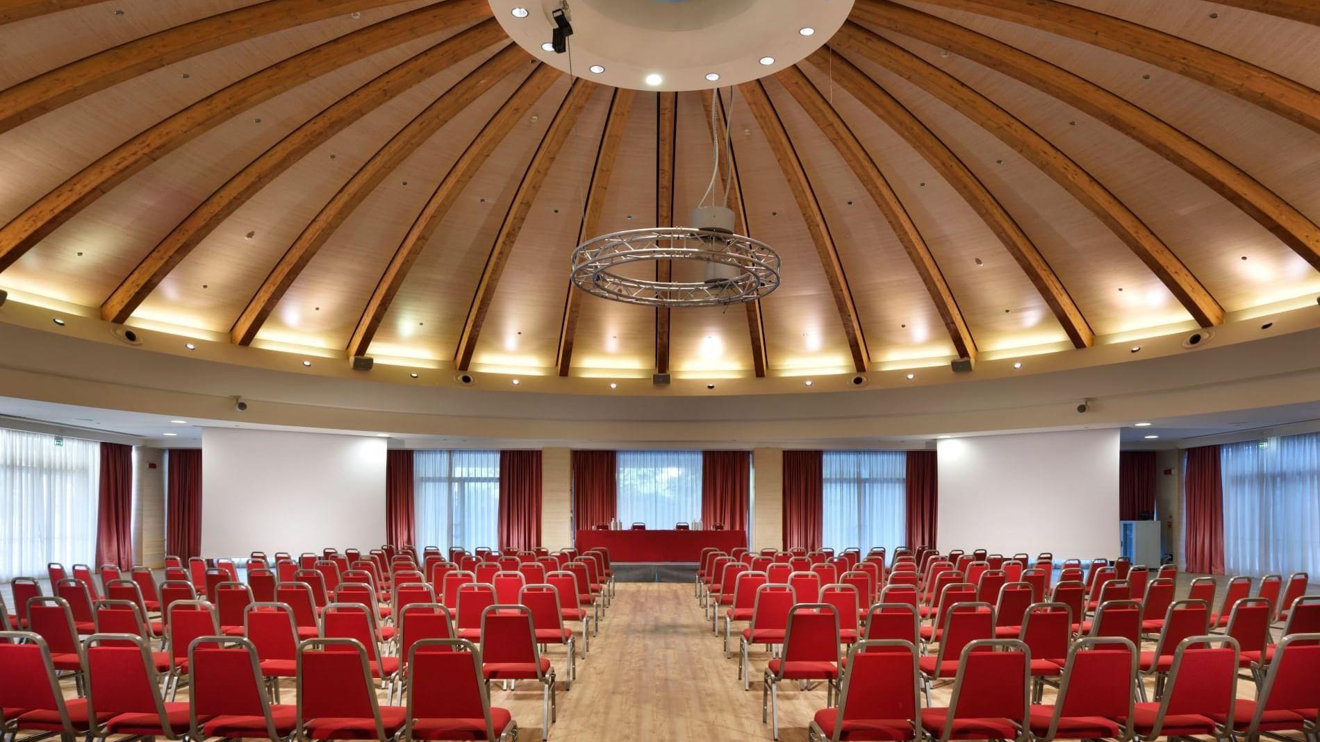 Centro congressi fino a 2.900 partecipanti.