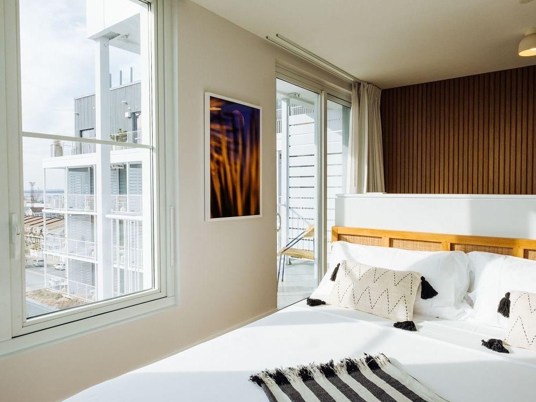 Junior Suite King Ocean view room at The Rockaway Hotel