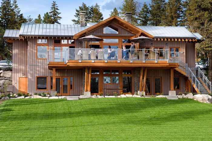 Outside view of teen rooms at Outback Lakeside Vacation Homes