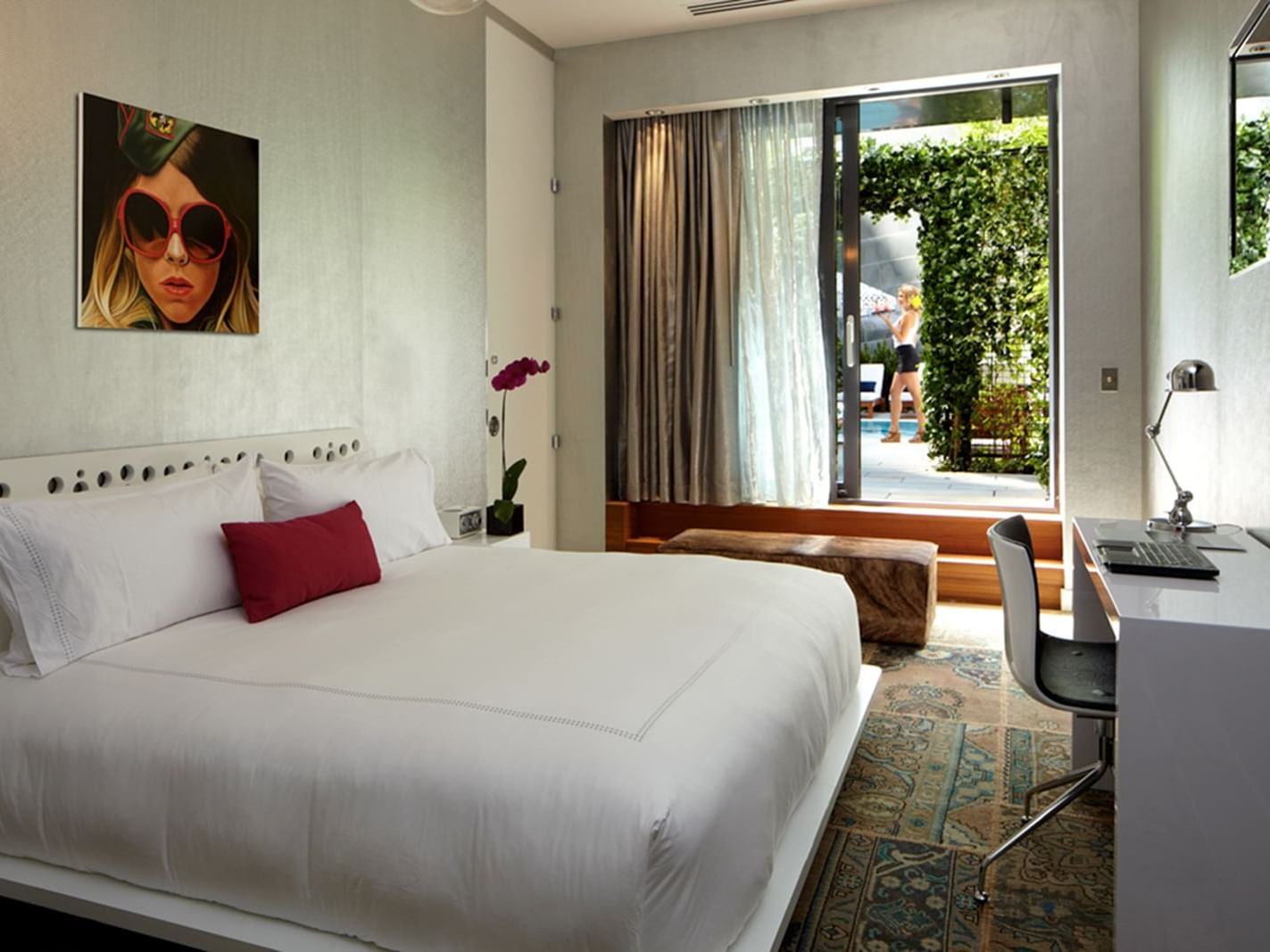 Bedroom of Accessible Gold King with king bed at Dream Downtown