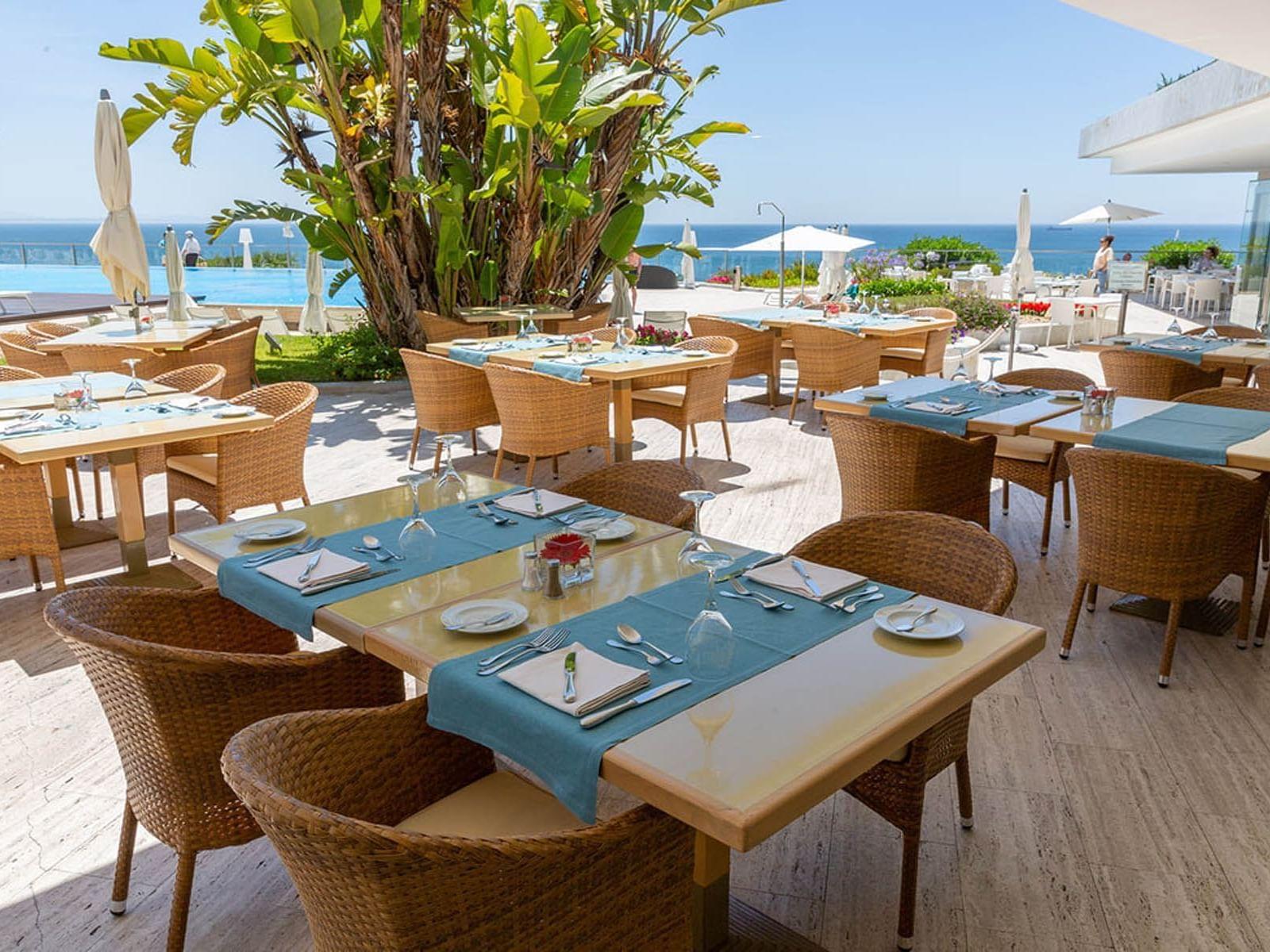 Outdoor Restaurant facing the beach at Hotel Cascais Miragem