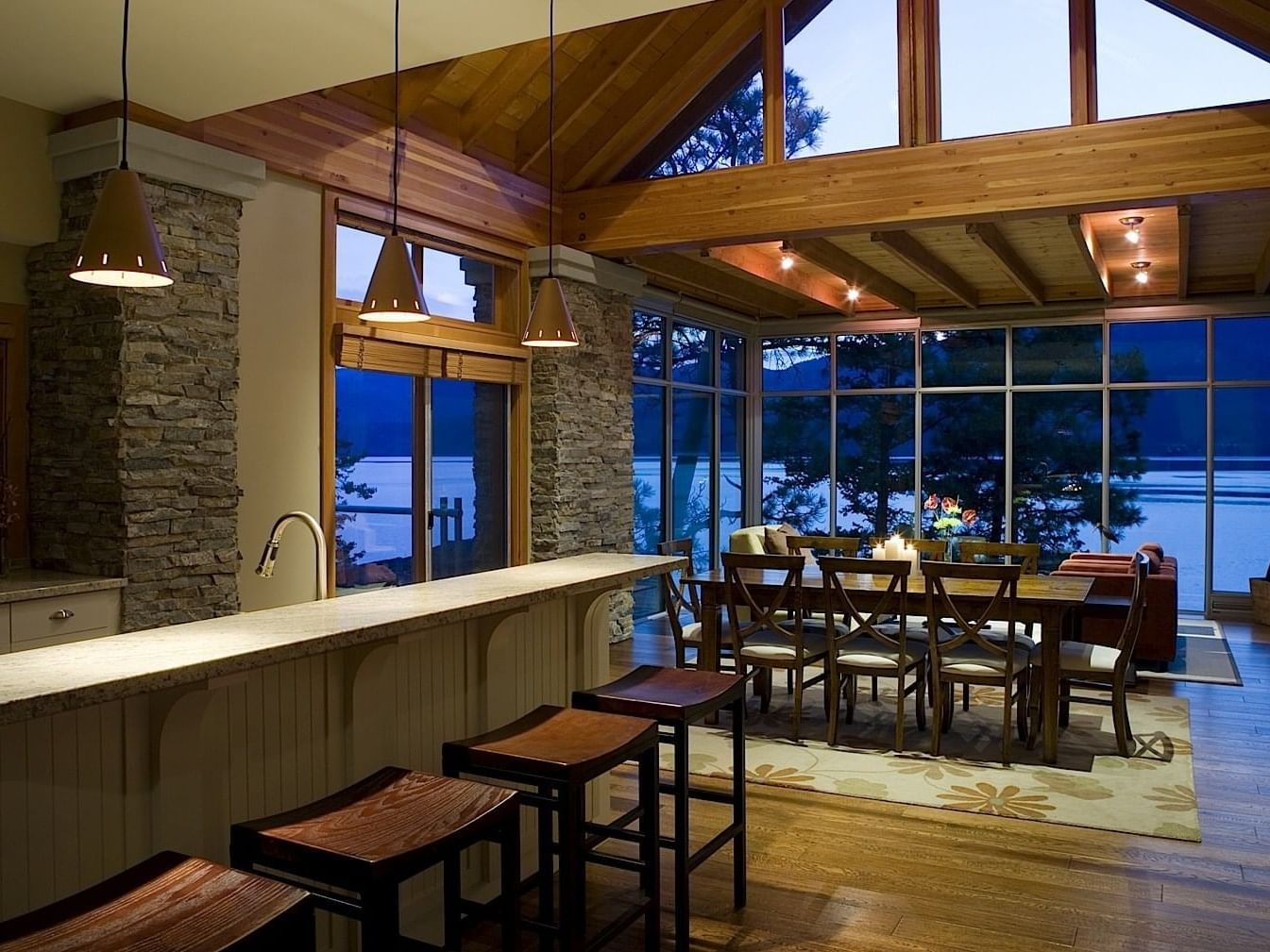3 room Ridge homes dining at Outback Lakeside Vacation