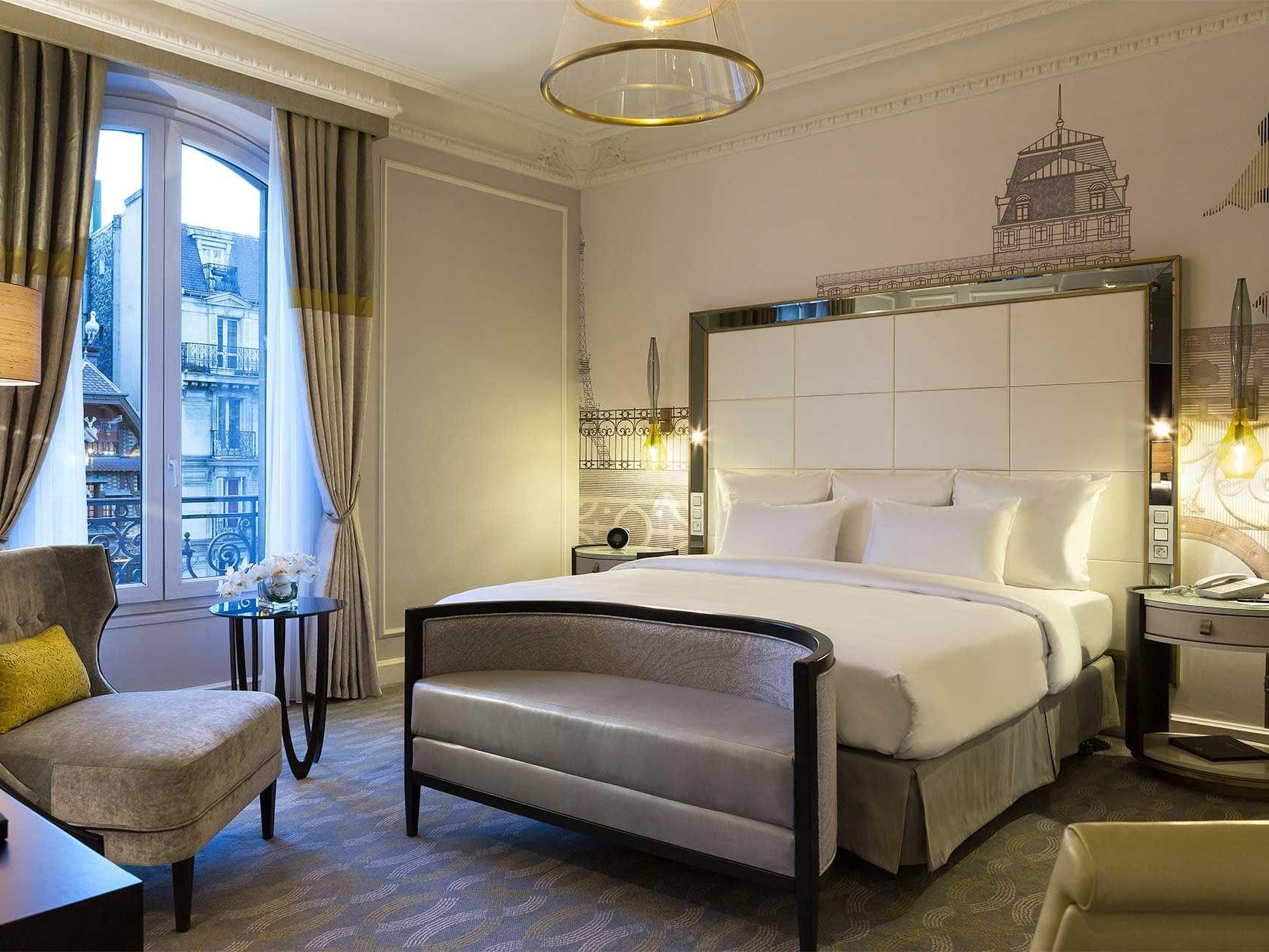 Bed & furniture in Executive Room at Hilton Paris Opera Hotel