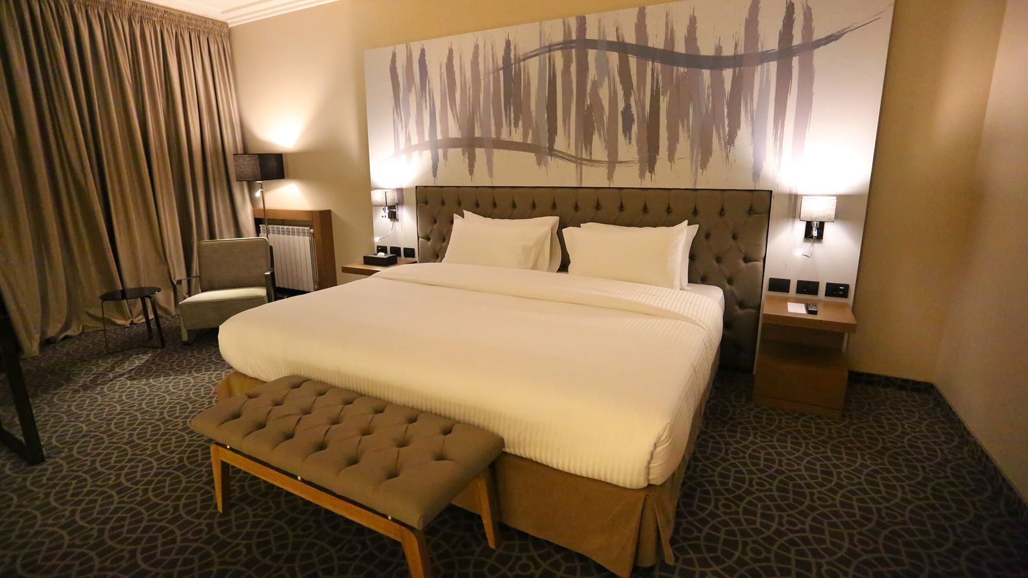 Deluxe Room at Mist hotel and Spa by Warwick