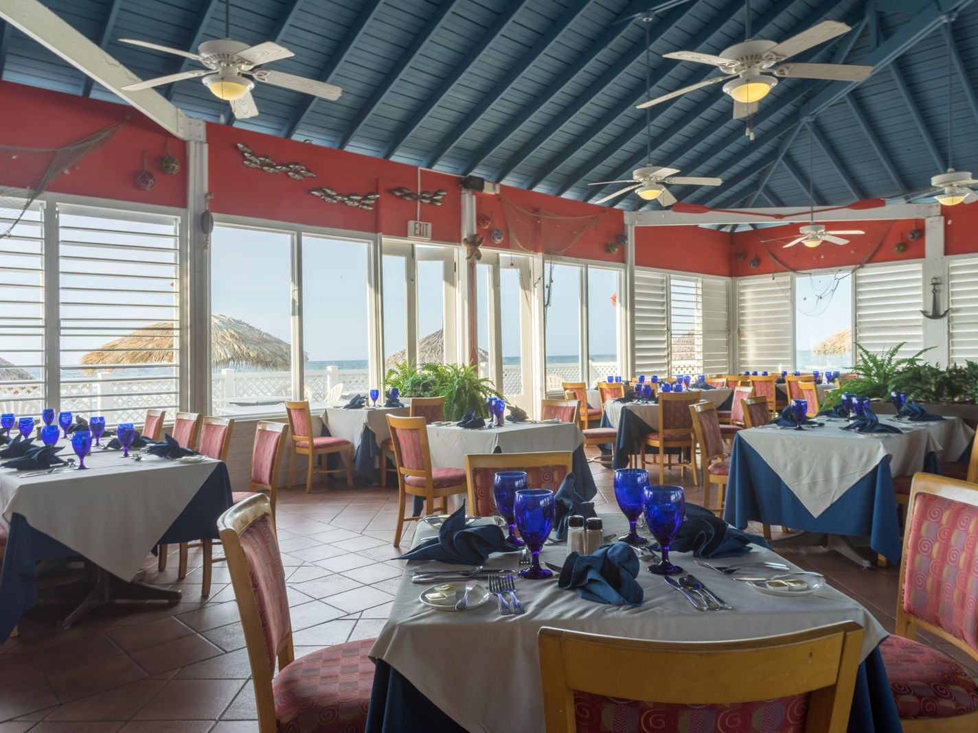 Seabreeze Restaurant Table setting at Holiday Inn Montego Bay