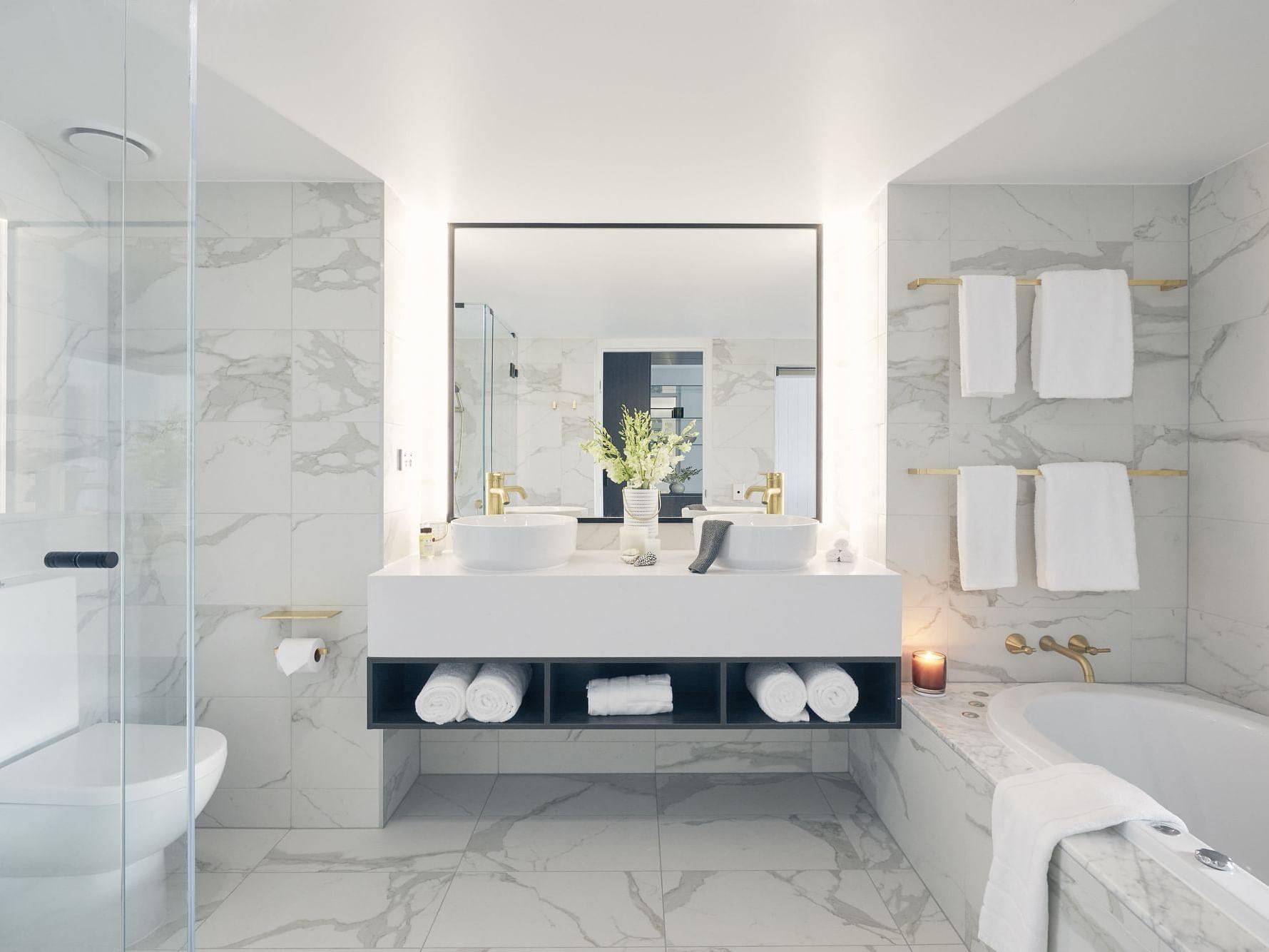 Mirror and washbasin in Serenity room at Daydream Island Resort