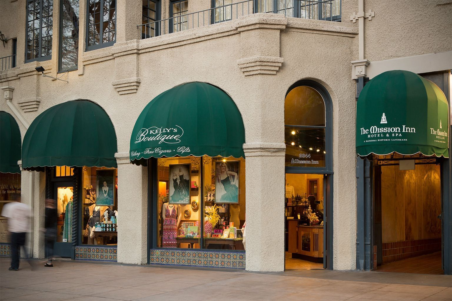 exterior of Mission Inn Hotel & Spa shopping