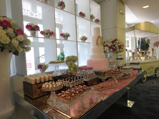 Dessert buffet at a wedding reception in Central Hotel Panama