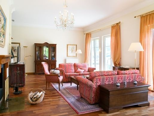 Classical suite at Schloss Pichlarn Hotel in Austria