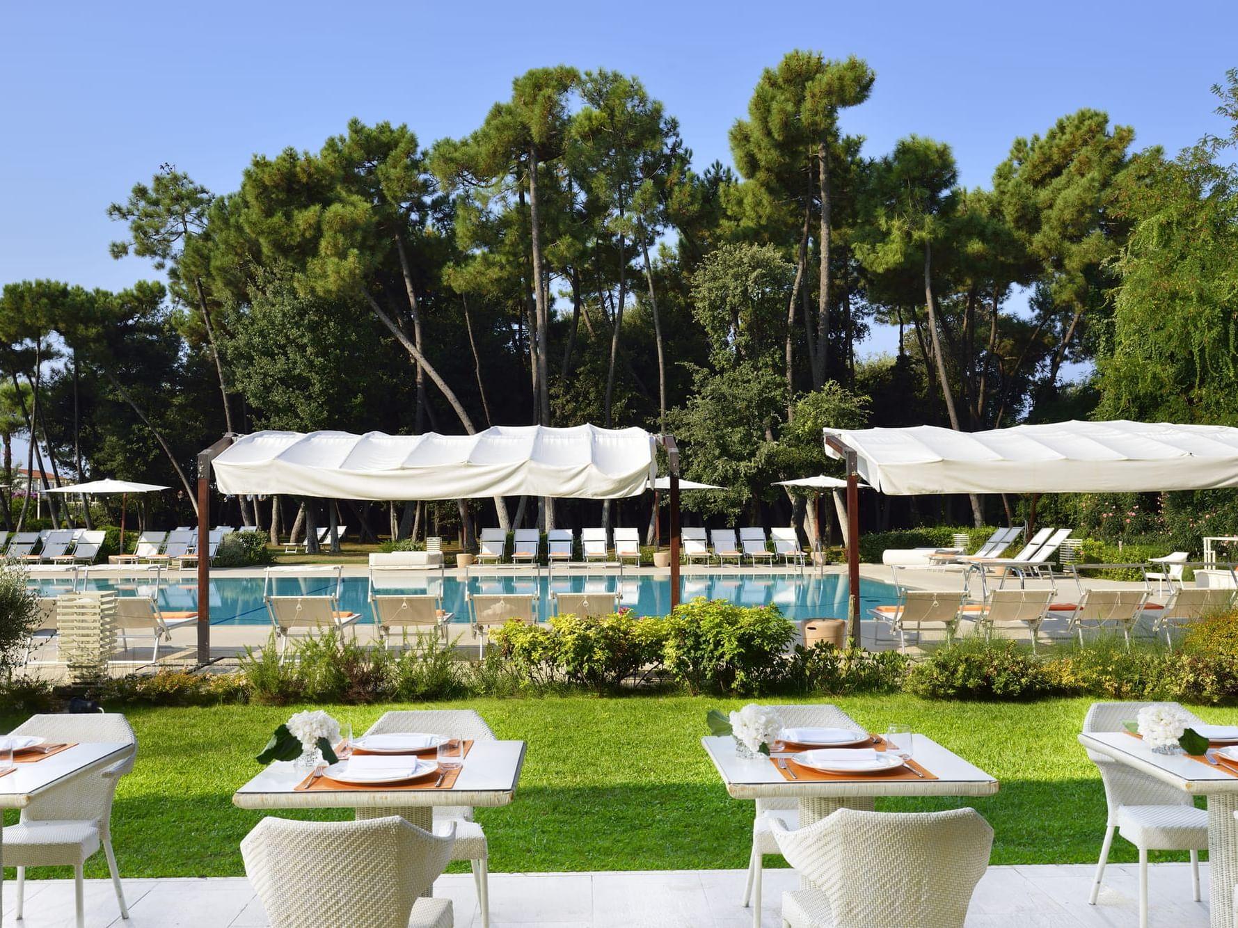 "Versilia Pool Bar & Restaurant by ""UNA cucina"""
