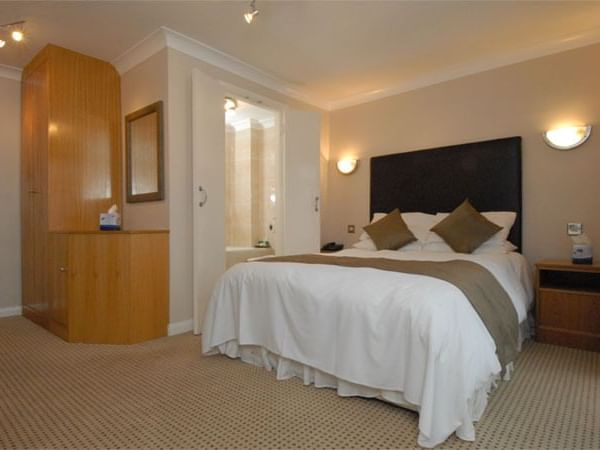 Standard Room at The Barn Hotel, Ruislip