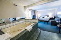 Coast High Country Inn - Premium King Suite Jacuzzi