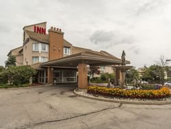 Exterior View - Monte Carlo Inns Oakville Suites